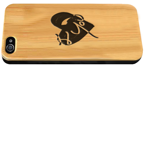 coque en bois gravée dans le bambou iPhone 4